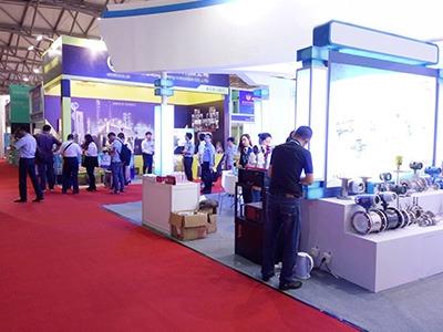 参观上海仪表展